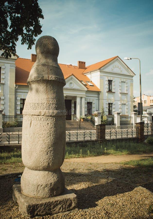 Konin, Pologne Le poteau le plus ancien - panneau routier en Pologne Une plus grande province de la Pologne photo stock