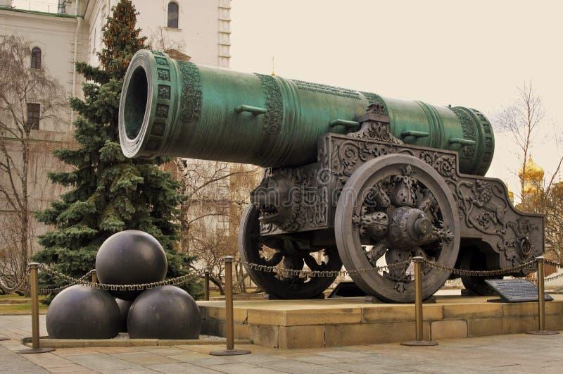 Koning Cannon Tsar Pushka in Moskou het Kremlin wordt getoond dat royalty-vrije stock foto's