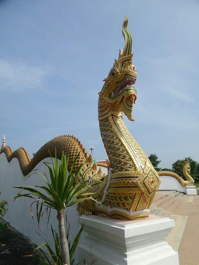Koning die van Naga Boedha bewaken stock afbeeldingen