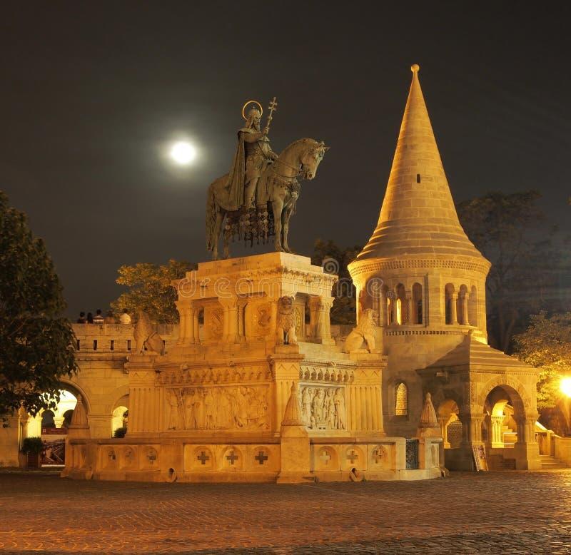 Koning Heilige Stephen - Boedapest, Hongarije stock foto's