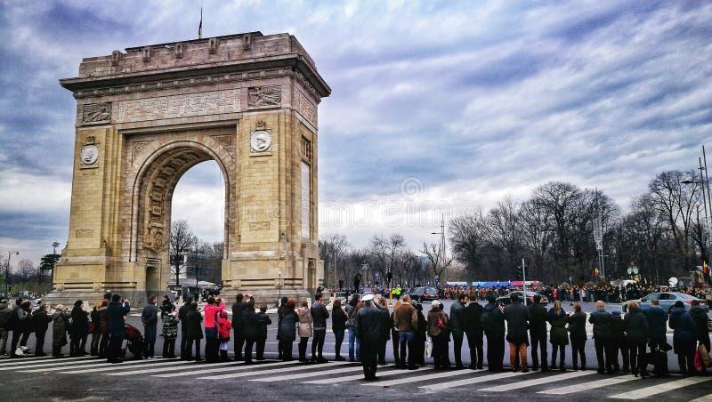 Koning Mihai I Begrafenissen - Arch DE Triumph Boekarest Roemenië stock afbeeldingen