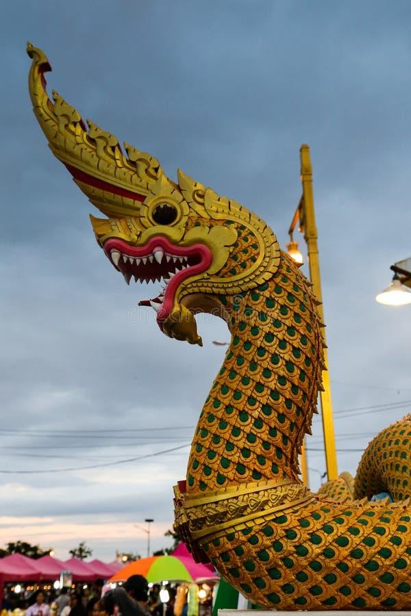 Koning van Nagas-beeldhouwwerk stock foto
