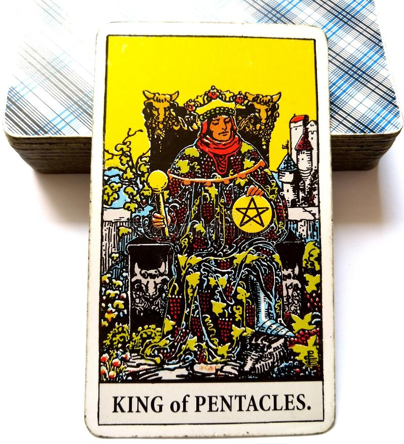 Koning van Pentacles de Rijkdommidas van de Tarotkaart van de Bedrijfs aanrakingsluxe Imperium Succesvolle Bedrijfs Hoofdkwalific stock foto