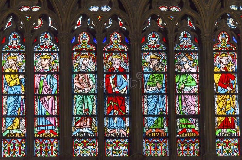Koningengebrandschilderd glas Notre Dame Cathedral Paris France stock foto