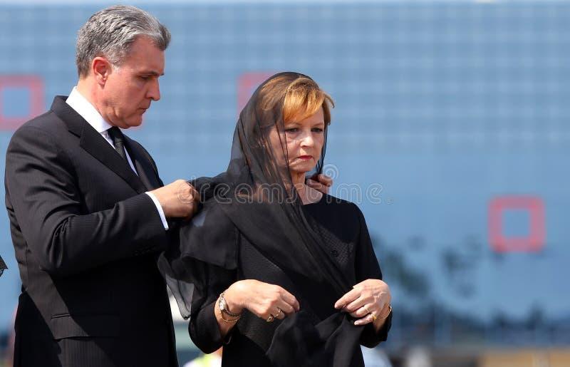 Koningin Anne van Roemenië sterft bij 92 - Ceremonie bij Otopeni Internationale Luchthaven stock foto's