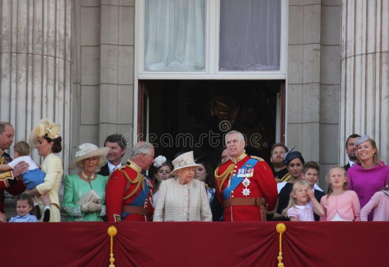 Koningin Elizabeth London het UK 8June 2019 - Meghan Markle Prince Harry George William Charles Kate Middleton royalty-vrije stock foto's