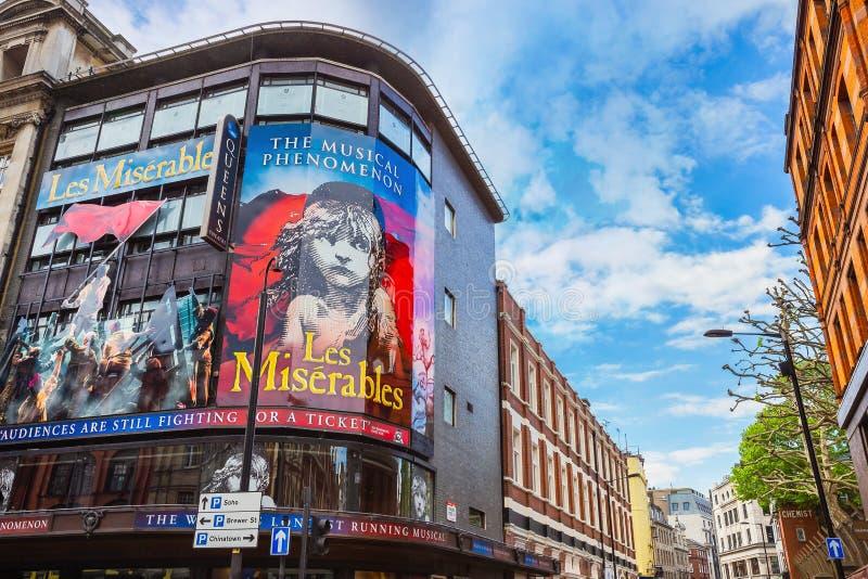 Koningin` s Theater in Shaftesbury-Ave , Londen, het UK stock fotografie
