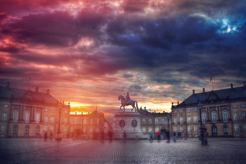 Koninklijk Amalienborg-Paleis in Kopenhagen stock afbeeldingen