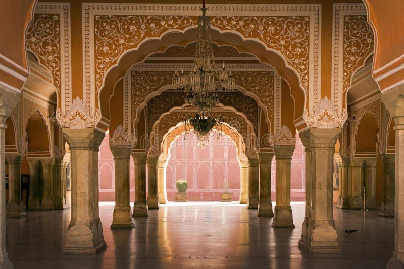 Koninklijk binnenland in het paleis van Jaipur, India stock foto