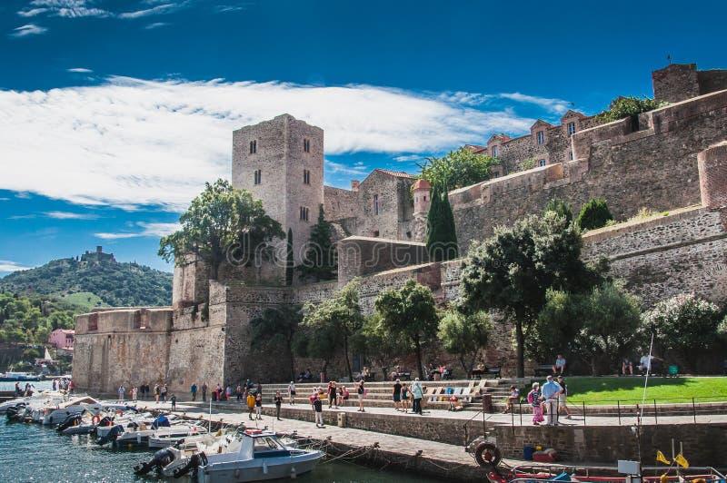 Koninklijk Kasteel Collioure in Pyreneeën-Orientales, Frankrijk stock foto's