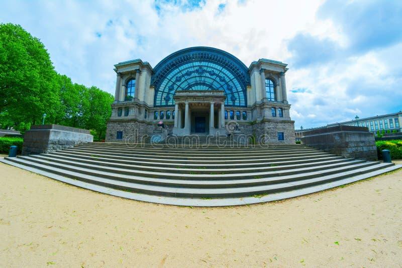 Koninklijk Museum van de Strijdkrachten in Brussel stock afbeelding