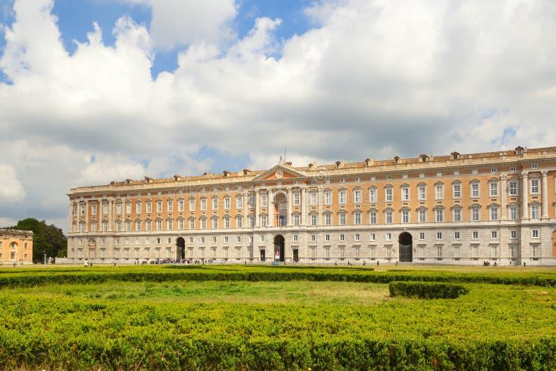 Koninklijk paleis in de stad van Caserta stock afbeelding