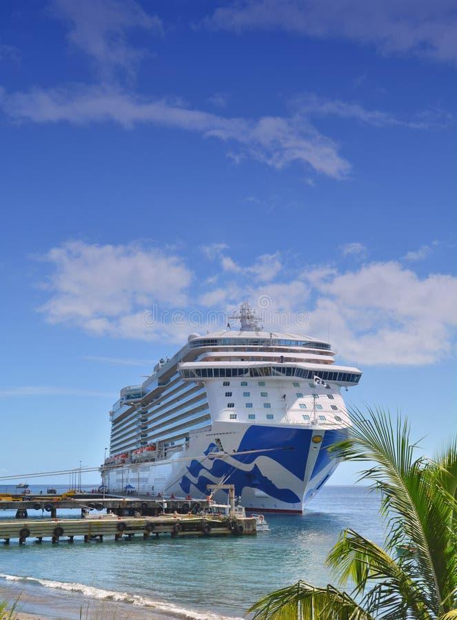 Koninklijk Prinsesschip in Caraïbisch Dominica, stock fotografie