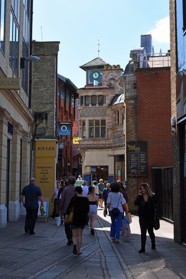 Koninklijke Arcade, de Stadscentrum van Norwich, Norfolk, Engeland stock foto's