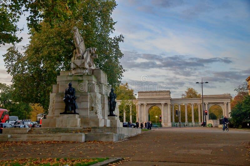 Koninklijke Artillerie Herdenkingshyde park corner in Londen royalty-vrije stock foto