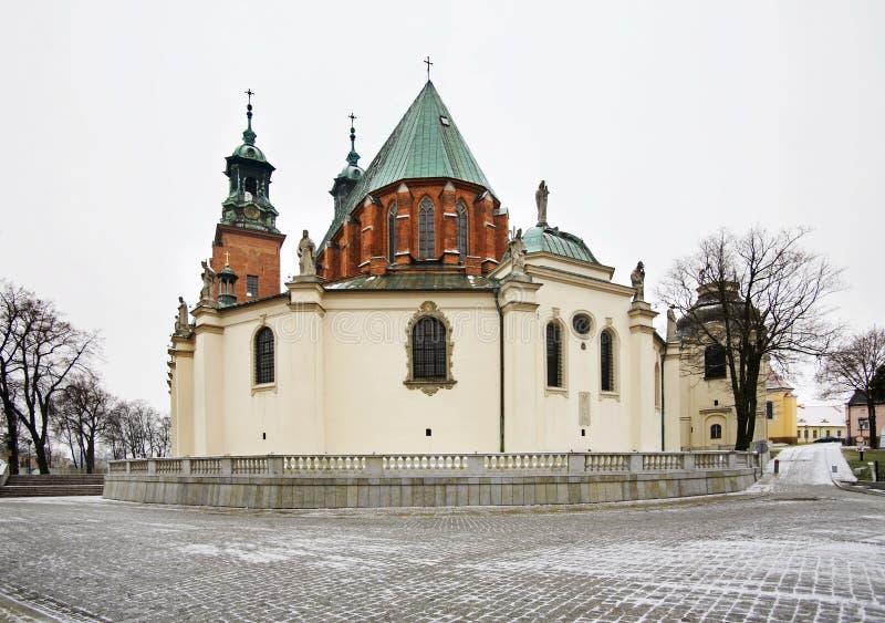 Koninklijke Kathedraal in Gniezno polen stock foto's