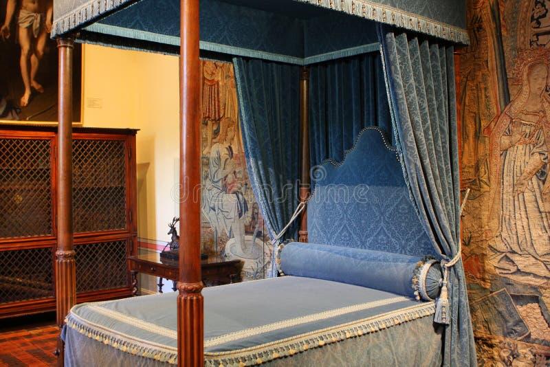 Koninklijke slaapkamer stock foto. Afbeelding bestaande uit palace ...