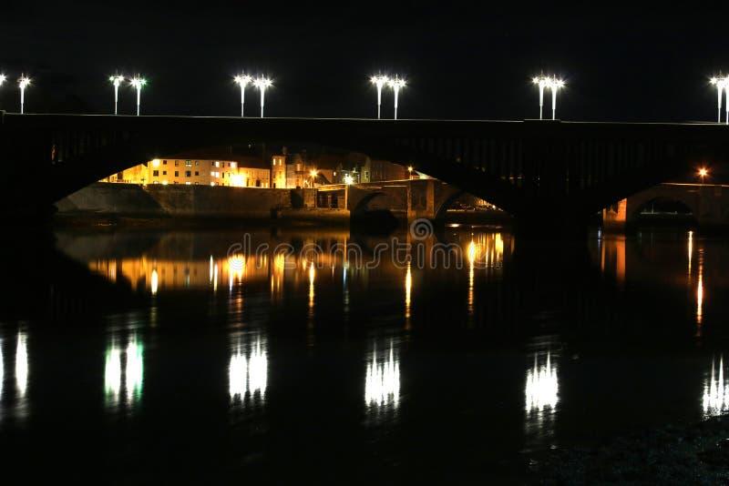 Koninklijke Tweedbrug, berwick-op-Tweed bij nacht royalty-vrije stock foto