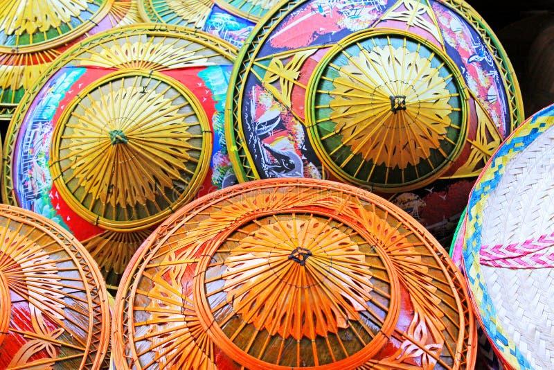 Koniska hattar Thailand för traditionell bambu arkivbilder