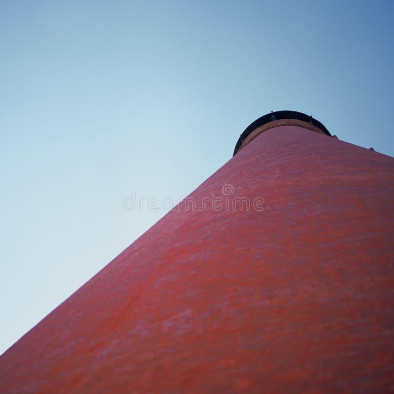 Download Koniskt rött tak fotografering för bildbyråer. Bild av taklägga - 42335
