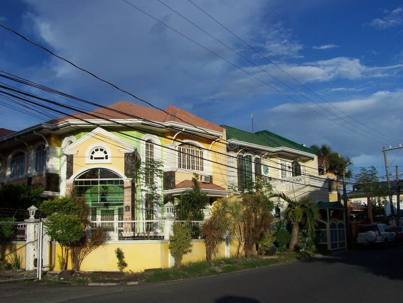 Konkrete Häuser in den Philippinen lizenzfreies stockfoto