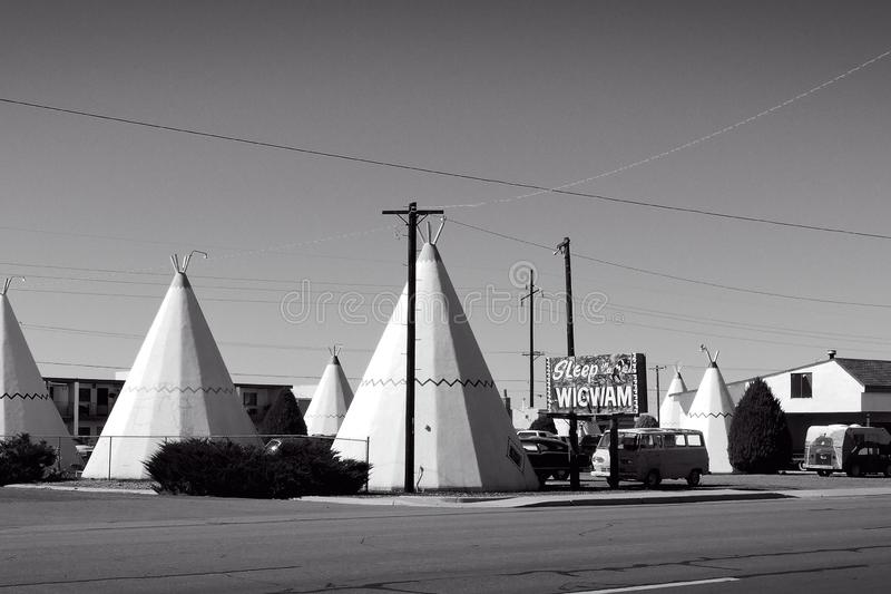 Konkrete Wigwame auf Route 66 lizenzfreies stockbild