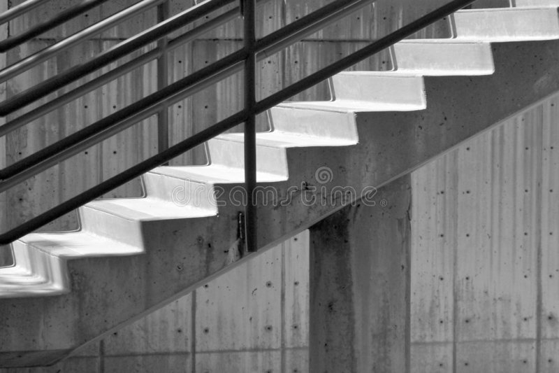 konkretną schody do ściany obrazy stock