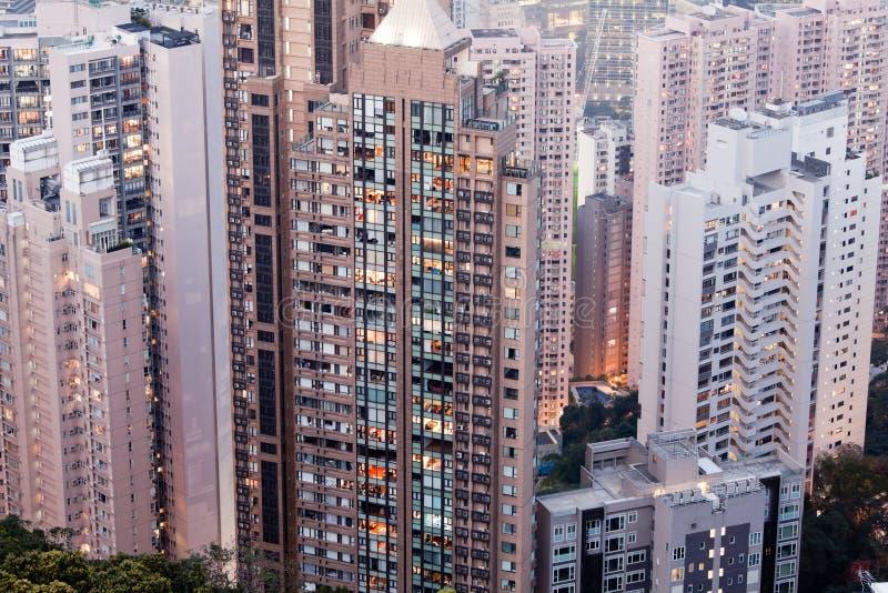 Download 洪Konng日落时间 库存照片. 图片 包括有 街市, 摩天大楼, 聚会所, 玻璃, 大都会, 布琼布拉 - 30326184