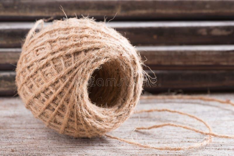 Konopiana arkana na drewnianym tle zdjęcie royalty free