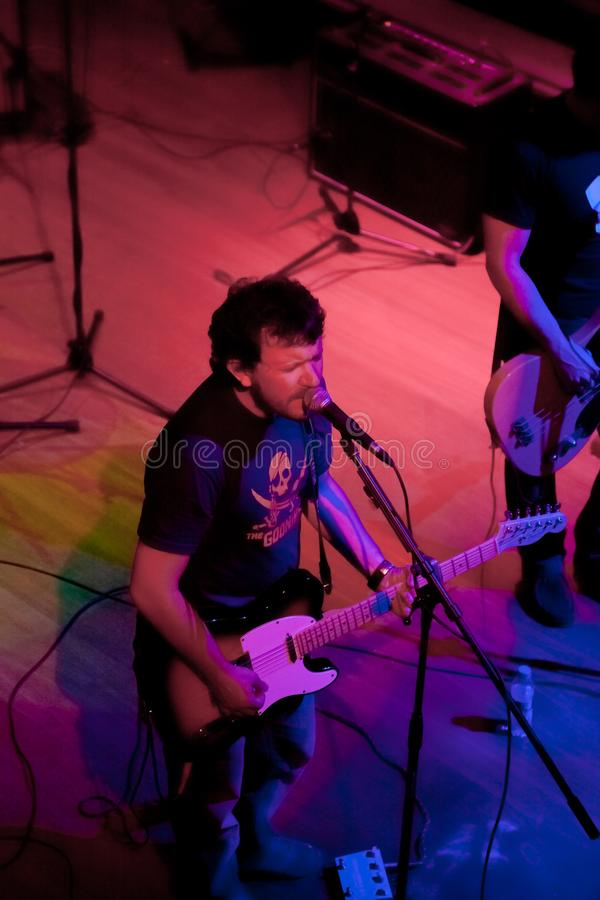 Konsert av gruppen av den Indie popet, Champagne på April 24, 2009 royaltyfri fotografi