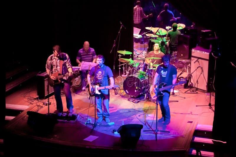 Konsert av gruppen av den Indie popet, Champagne på April 24, 2009 royaltyfria bilder