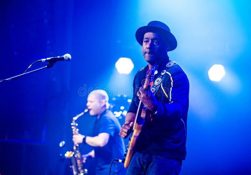 Konsert av Marcus Miller på den internationella jazzfestivalen i Lviv i Ukraina 2018 royaltyfria bilder
