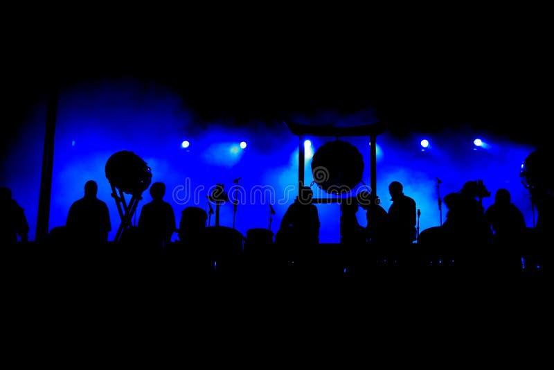 konserten silhouettes etappen