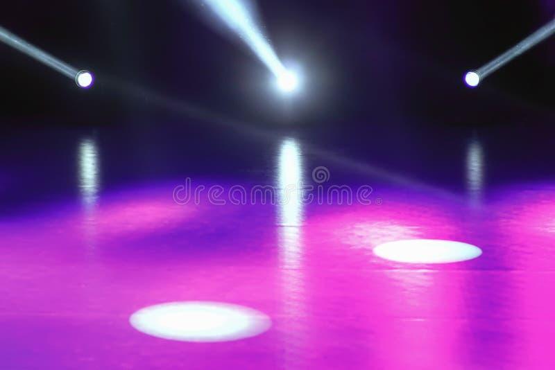 Konsertljusshowen, etapp tänder, den färgrika etappen tänder, ljust s royaltyfri bild