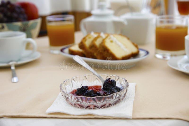 Konservieren Sie im Frühstückstische lizenzfreies stockbild