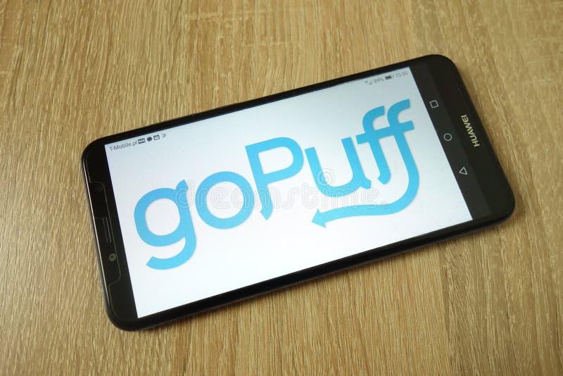 KONSKIE, POLEN - 21. Juni 2019: goPuff Service-Logo am Handy stockbild