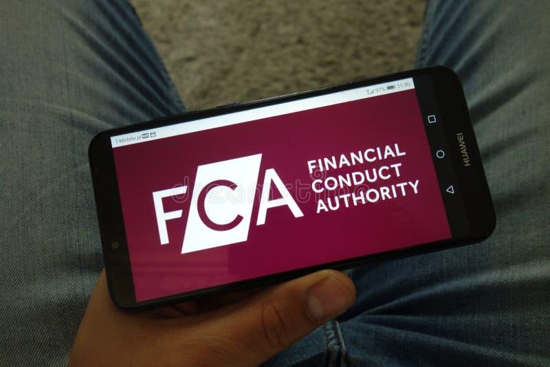 KONSKIE, POLONIA - 29 giugno 2019: Autorità finanziaria di comportamento - logo di FCA sul telefono cellulare fotografie stock libere da diritti