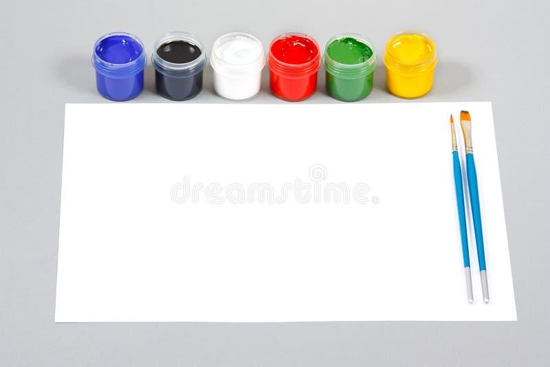 konst brushes seten för gouachemålarfärgpapper arkivfoton