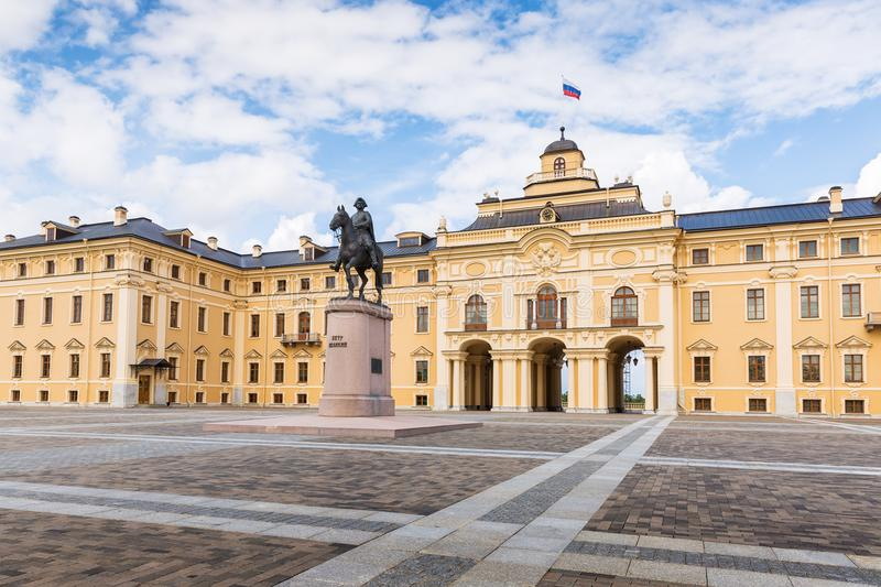 Konstantinovsky Palace and the monument to Peter the Great in St stock images