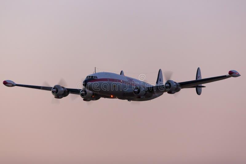 KONSTELLATIONSweinlese-Passagierflugzeugflugzeuge VH-EAG Lockheeds C-121C funktionierten Superdurch die historische Flugzeug-Wied lizenzfreie stockfotografie