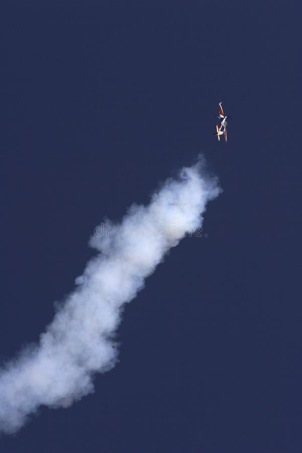 Download Konstflygning redaktionell fotografering för bildbyråer. Bild av vingar - 37344869