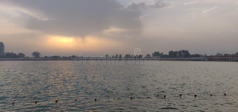 konstgjord lake royaltyfri foto