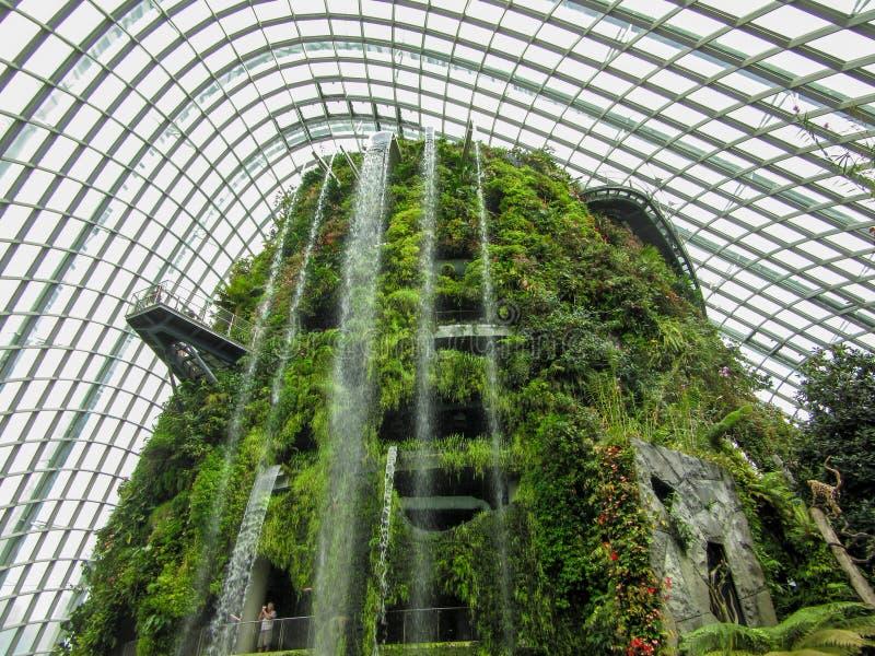 konstgjord vattenfall royaltyfria foton