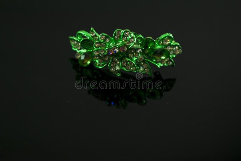 Konstgjorda färgrika smycken för kvinnor royaltyfria bilder