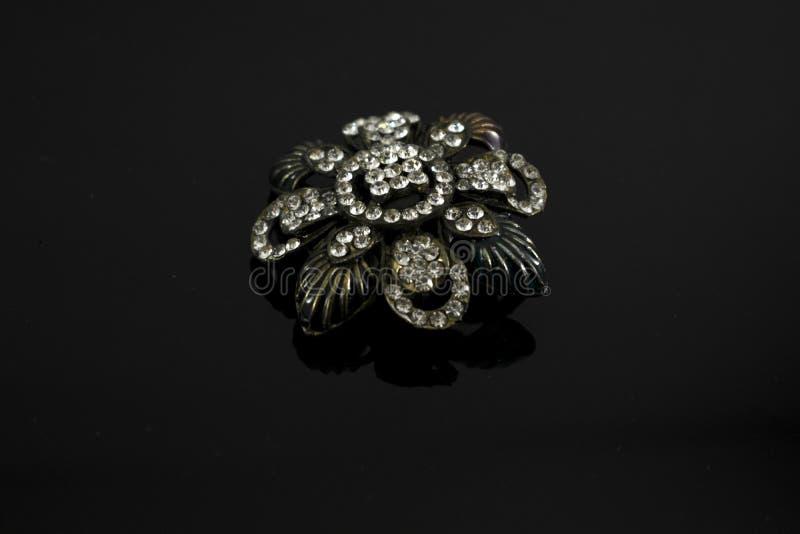 Konstgjorda färgrika smycken för kvinnor arkivfoto