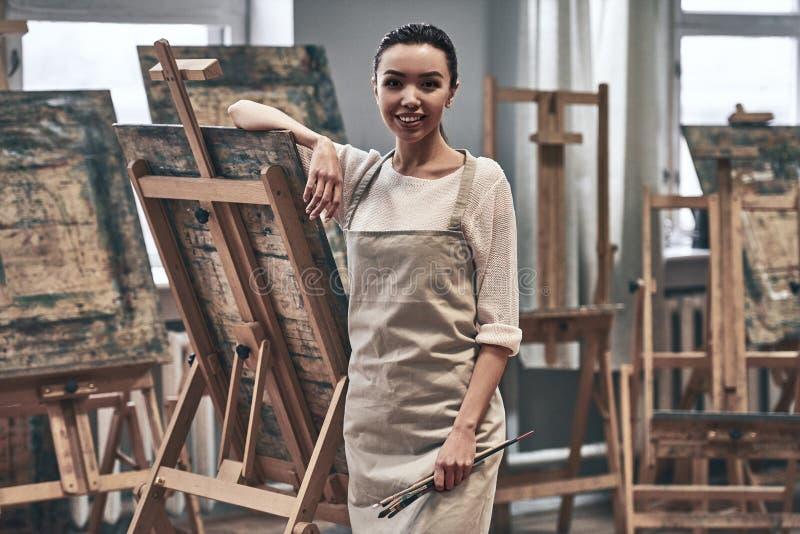 Konstnär Painting arkivbild