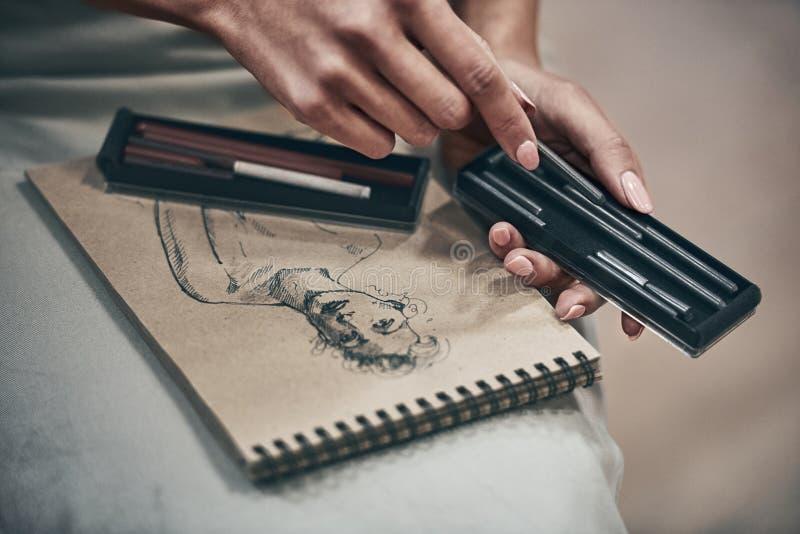 Konstnär Painting royaltyfri foto