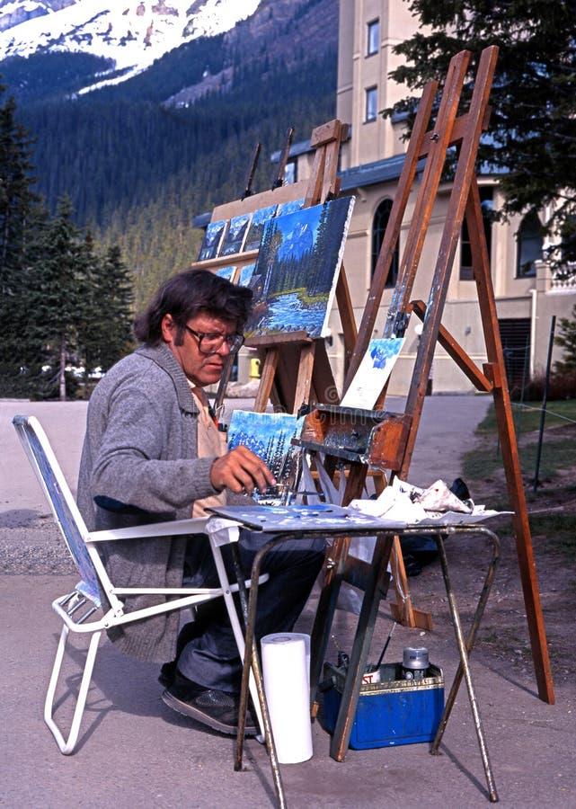 Konstnär vid Lake Louise, Kanada royaltyfri foto
