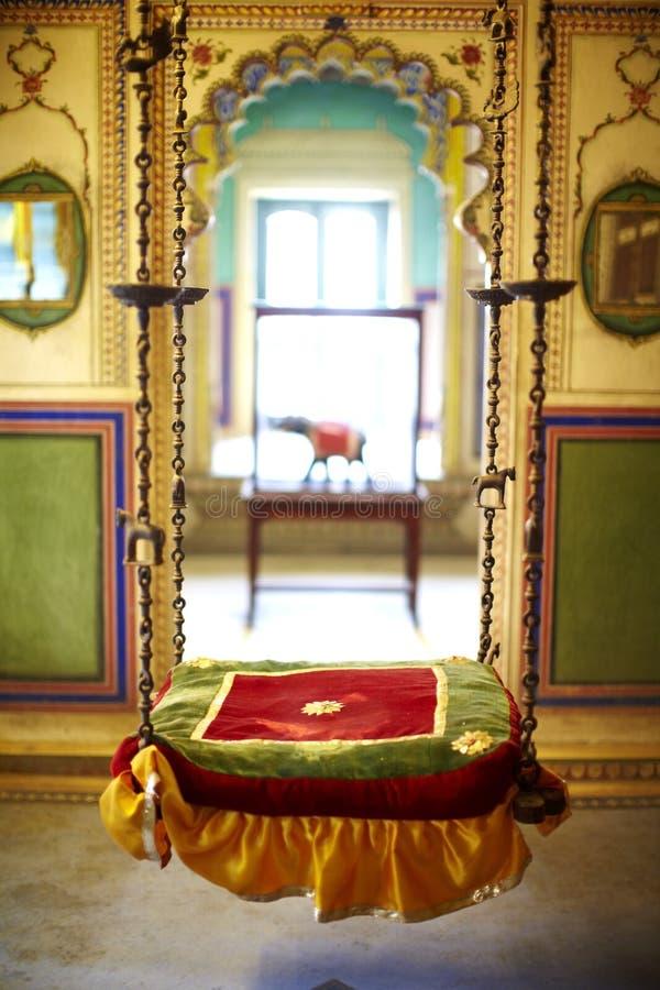 konstnärlig hängande persisk platsswing royaltyfria bilder