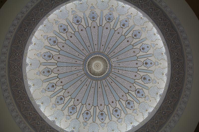 Konstnärlig kupol av moskén royaltyfria foton